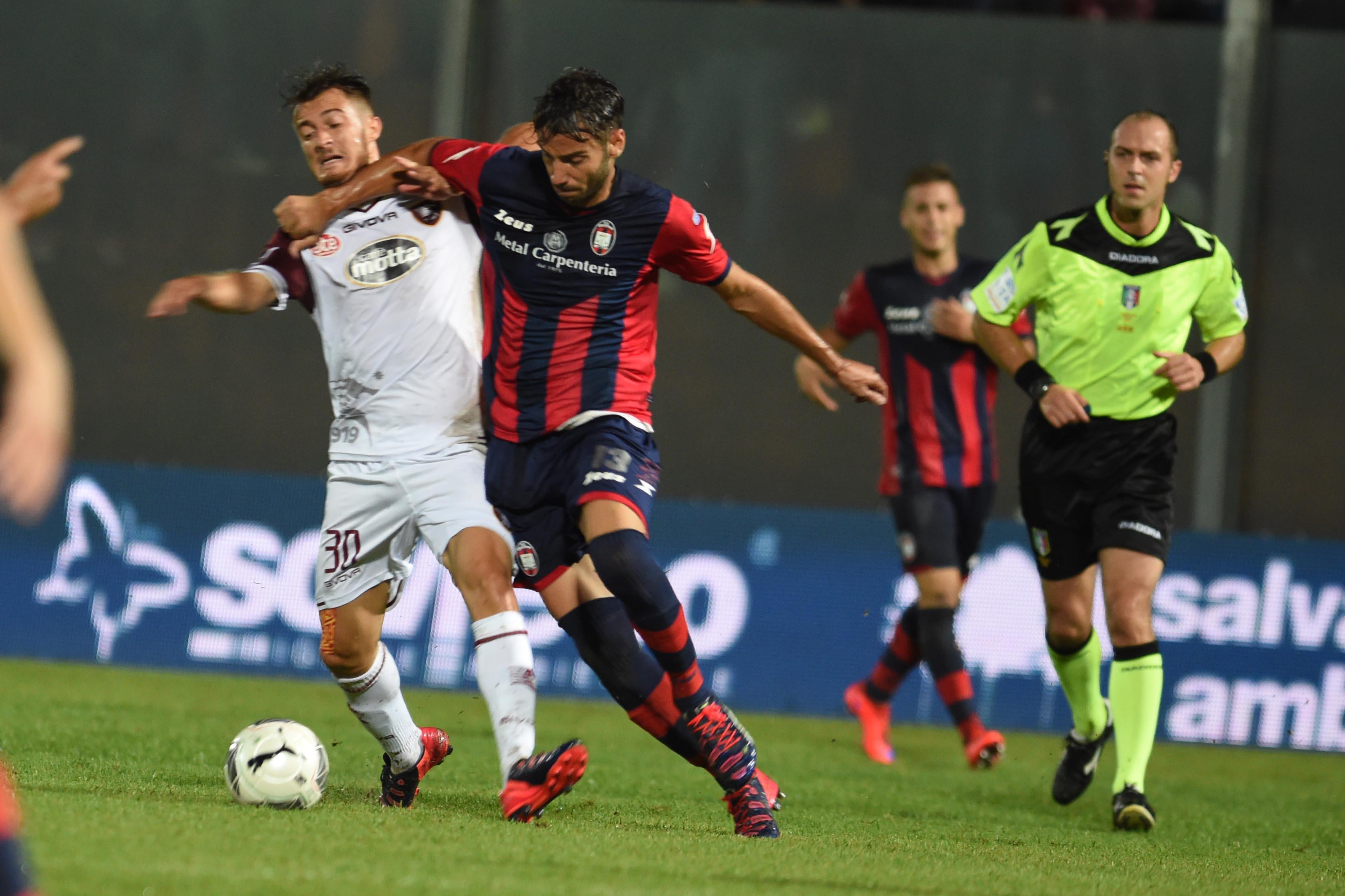 Cagliari-vs.-Crotone
